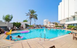 Hotel Blue Sky City Beach 4*